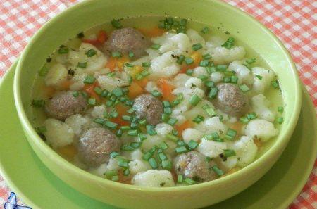 суп с цветной капустой и фрикадельками из говядины