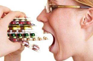 таблетки и женщина